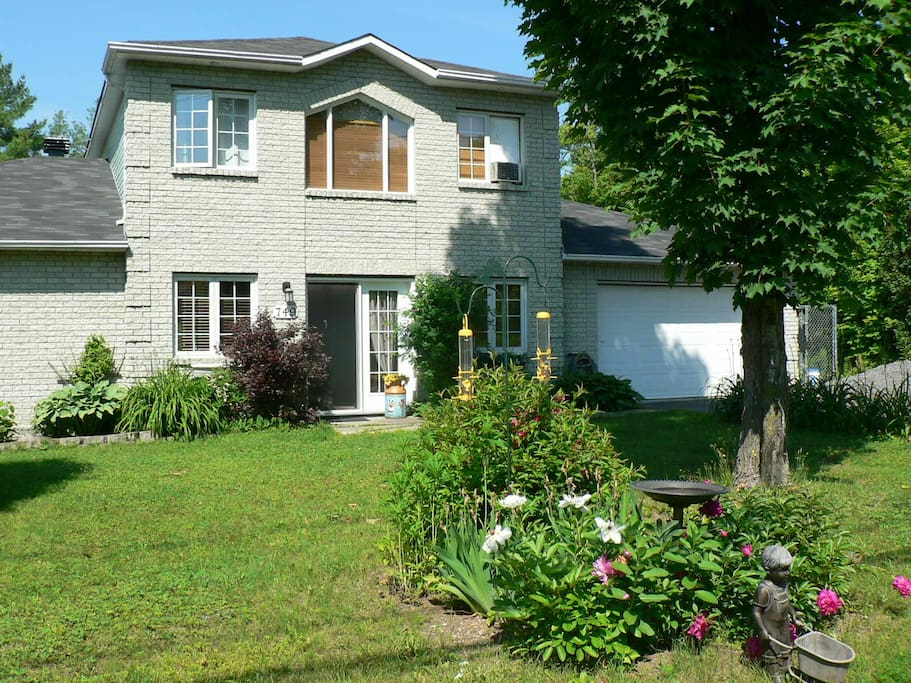Maison louer houses for rent in saint j r me qu bec canada for Canada maison a louer