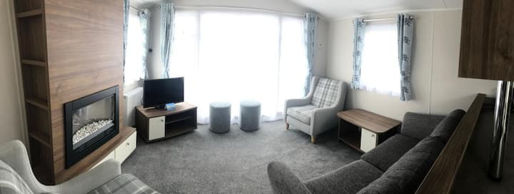 D20 Beautiful 3 bedroom caravan, 5* Sand Le Mere