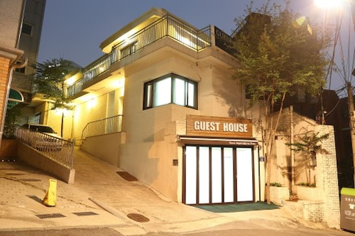 Seoul Myeongdong Stay -twin room - Jung-gu - Bed & Breakfast