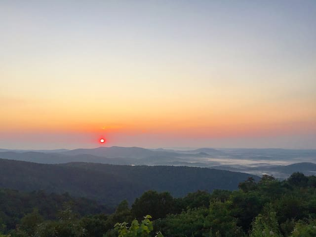 Shenandoah Valley Sunset Mtn Views In Wine Country