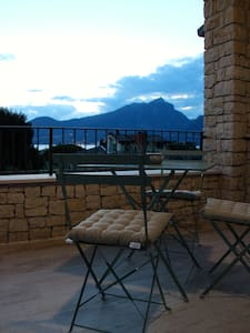 Oasi tra gli olivi con vista lago C - 토리 델 베나코(Torri del Benaco) - 아파트