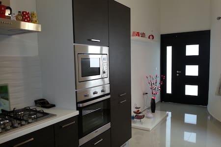 118 Apartment - Swieqi