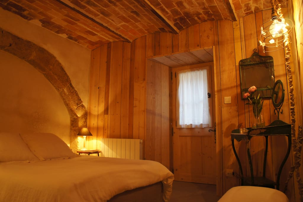 La chambre d 39 h te de lourmarin bed breakfasts zur for Chambre d hote salon de provence