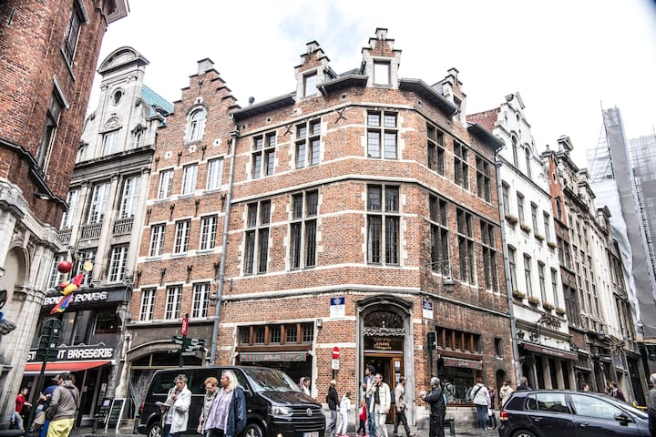 Lovely flat near Grand Place 54/2-3
