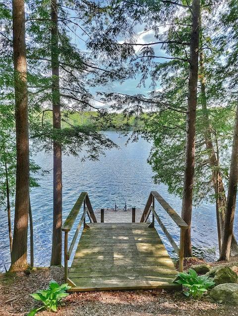 Juniper Cabin- Waterfront retreat on Mosque Lake