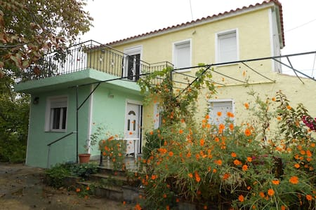 Two-floor house with garden - Lesbos Prefecture - Haus