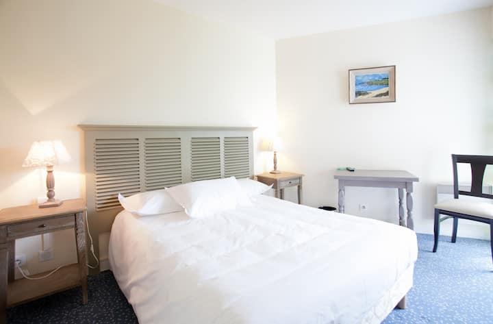 Great Room near Audierne Pointe Du Raz