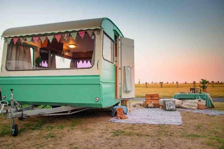 """LALA"" the Vintage Caravan"