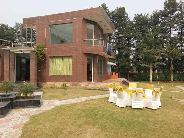 Peaceful Farmhouse | Gurgaon Sohna Road - Gurgaon