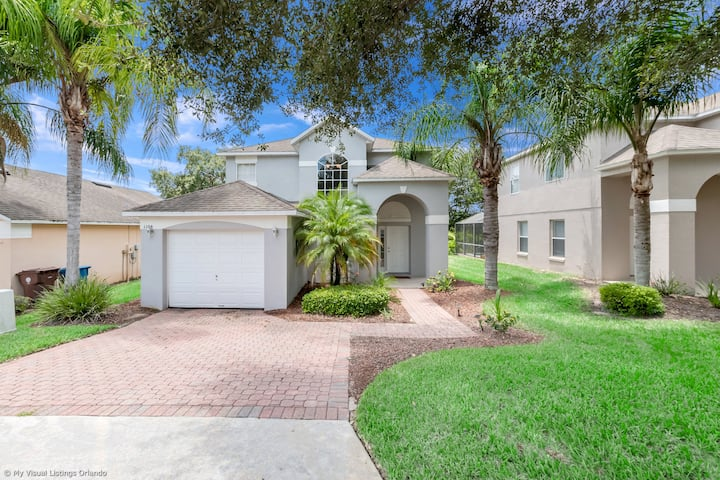 Beautiful 4 Bed Home With South Facing Pool 1108MC