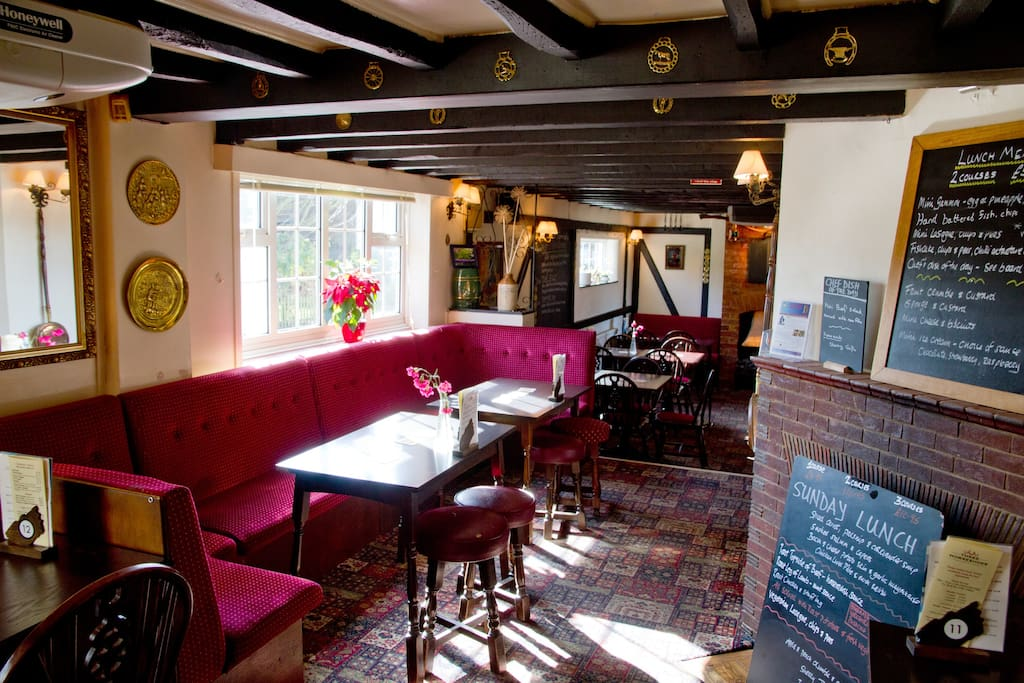 three horseshoes country pub room 2 en suite bed and