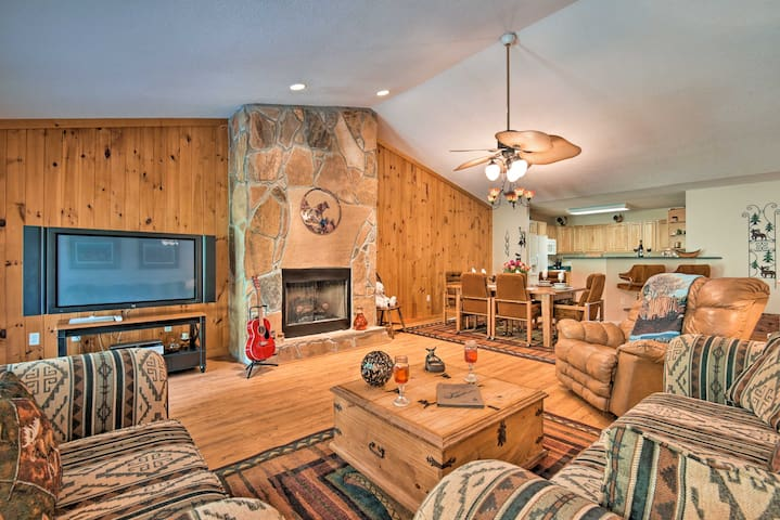 Lavish Home w/ 2 Decks - Walk to Norris Lake!