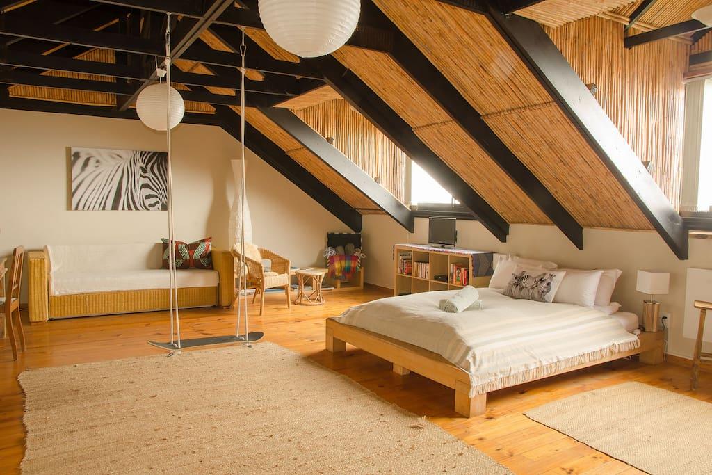 Sundowner Loft Apartment