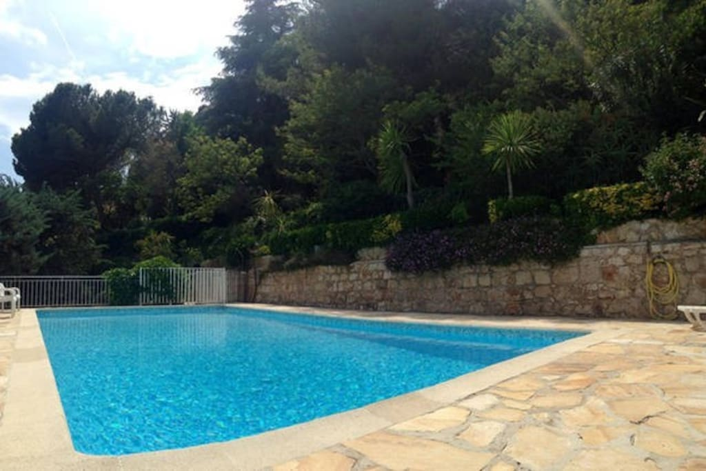 R sidence de standing avec piscine appartamenti in for Piscine villefranche