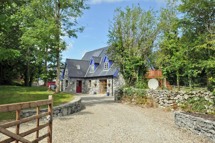 Exclusive haven near Kinvara Co. Galway. Sleeps 14 - Kinvarra - Casa