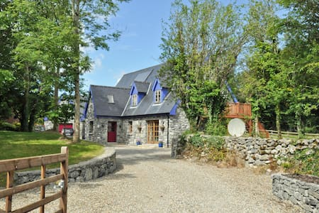 Exclusive haven near Kinvara Co. Galway. Sleeps 14 - Kinvarra - Dům