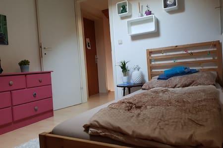 Zimmer in Dornbirn Stadtnähe OG