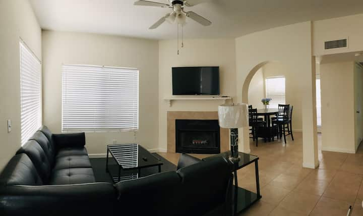 **New listing** Lux Condo near I-10 UofA Downtown!