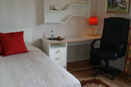 Ljust trivsamt rum i lugnt område - Uppsala