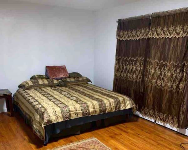 Apartment 10 Minutes Away from NYC