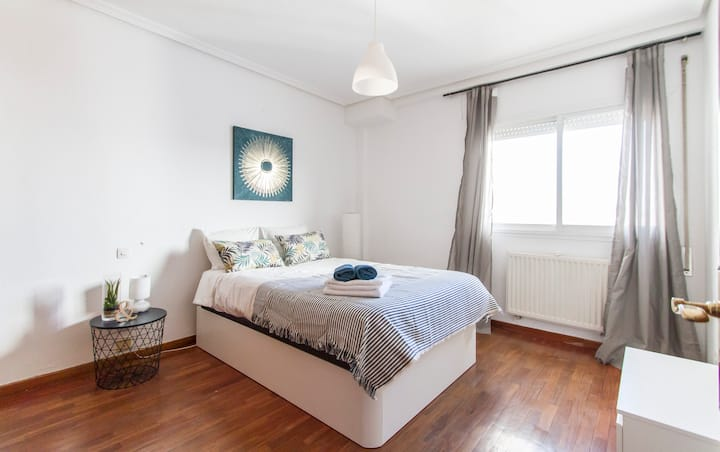 comfortable & very luminous apartment with parking