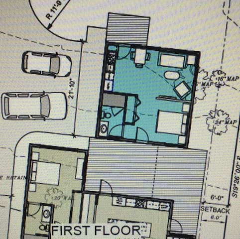 Above garage cottage (blue) - floor plan.