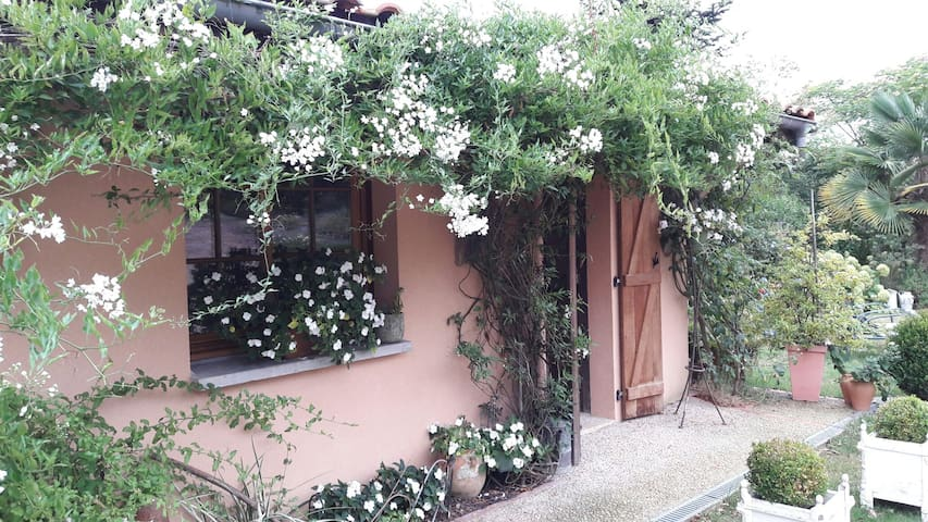 Au calme, logement  indépendant - Miramont-Sensacq, Aquitaine-Limousin-Poitou-Charentes, FR - Talo