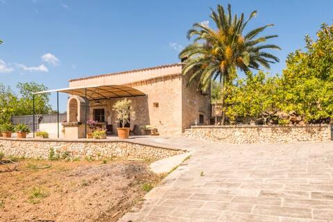 """Traditional stone house in Petra """"Ca Na Cotona"""""""