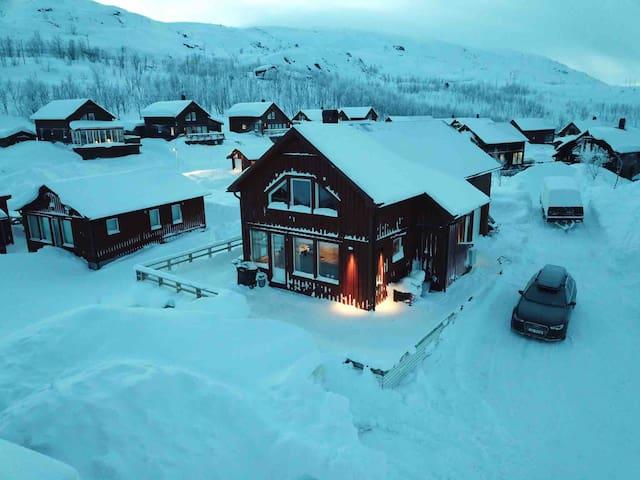 Stor og romslig hytte i Katterjokk ved Riksgränsen