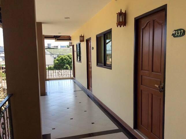 Laphkham House, standard room