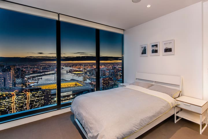 Lofty sanctuary in the city with ensuite bathroom - Melbourne - Departamento