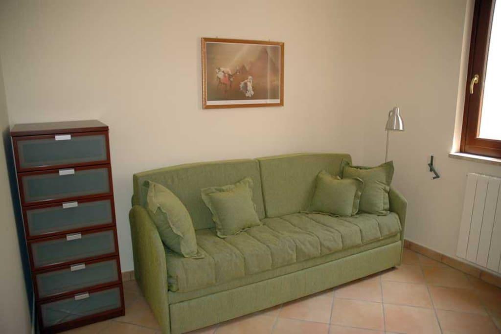 Camera da letto con divano letto (due letti singoli)