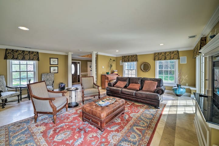 Experience central Virginia from this historic vacation rental villa!