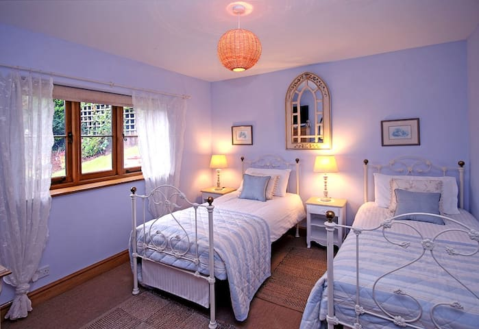 Holmdale- Exmoor National Park- TWIN or KING room. - Exford - Casa