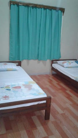 Affordable Private room at Panglao - Dauis - Hus