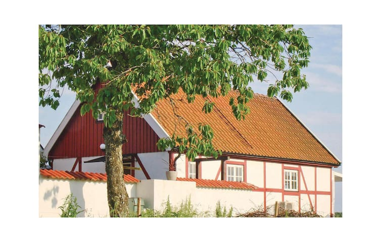 Holiday cottage with 3 bedrooms on 60 m² in Hjärnarp
