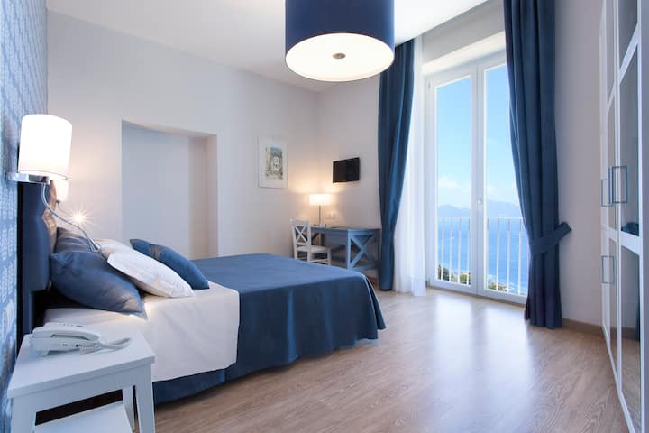 Vista di Capri, Navy Blue Double Room Sea View