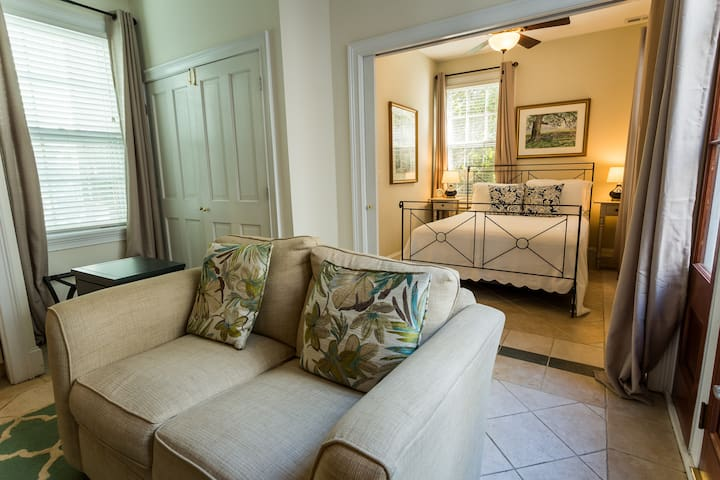 Suite with Tranquil Garden and Heated Pool