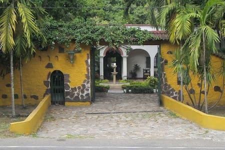 Casa Quinta Villa Gladhys en Honda - Tolima - Honda - วิลล่า