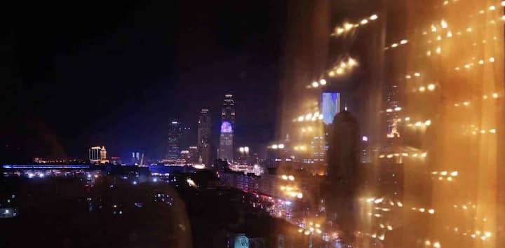 【夜空的星】独享整套/天津站/落地窗夜景/景区中心/意风街/津湾广场/古文化街