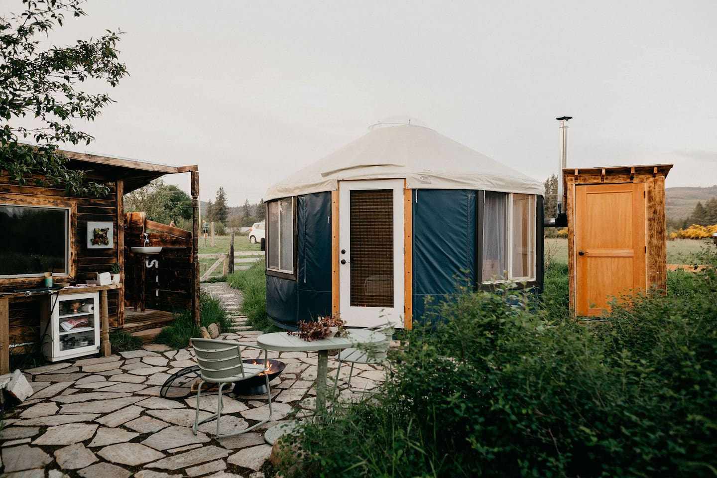 The average cost to stay in this yurt is $115