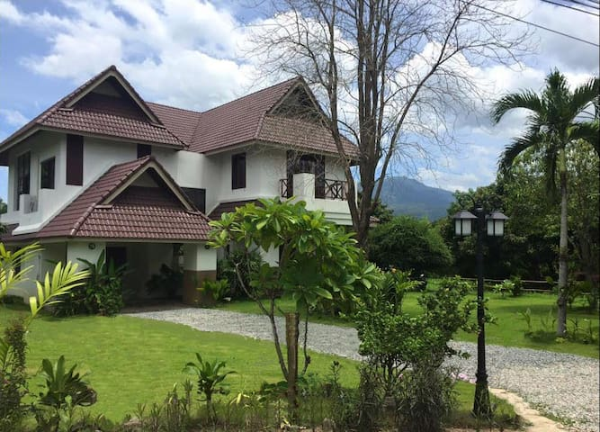 Large Villa, Mountain Views, Nature, Local Culture