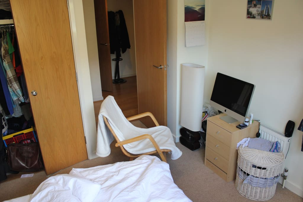 Ensuite, fully furnished double room.