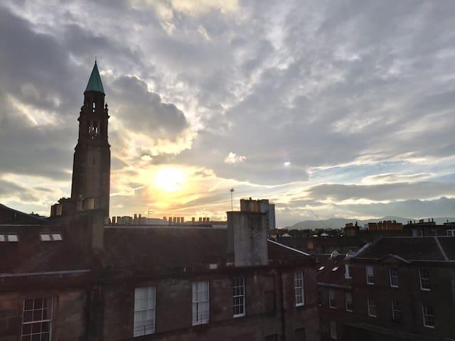 Sophisticated Apartment in Edinburgh City Centre