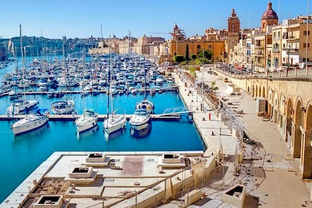 21. Cozy Apt 2 mins away from Marina Water Front! - Birgu