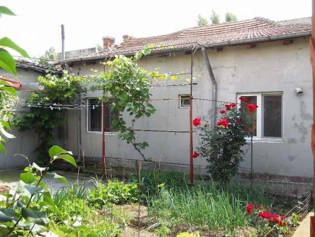 Private room in our house in Buzau - Buzău - Casa