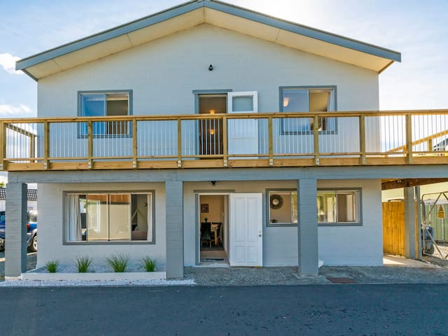 Town Centre Treat - Central Tairua Holiday Home