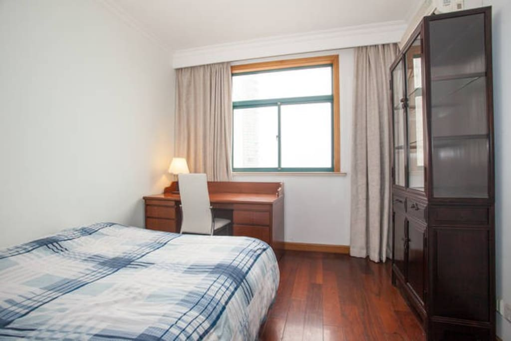 Spacious Private Bedroom with double bed
