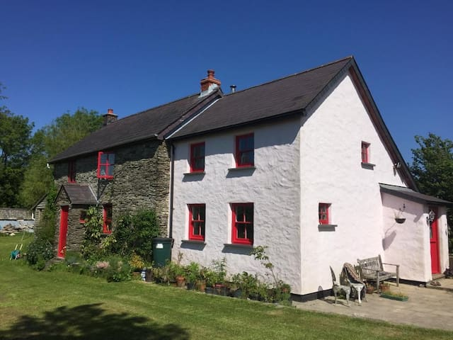 Cosy, self contained annex on rural cottage.