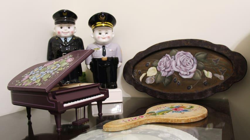 彩繪媽媽&警察爸爸 Painter Mama &Police papa
